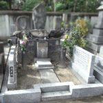 ご先祖様からの受け継いだお墓の法名碑を新設させていただきました。山口県産徳山石で作成、福岡市博多区の萬行寺様にて